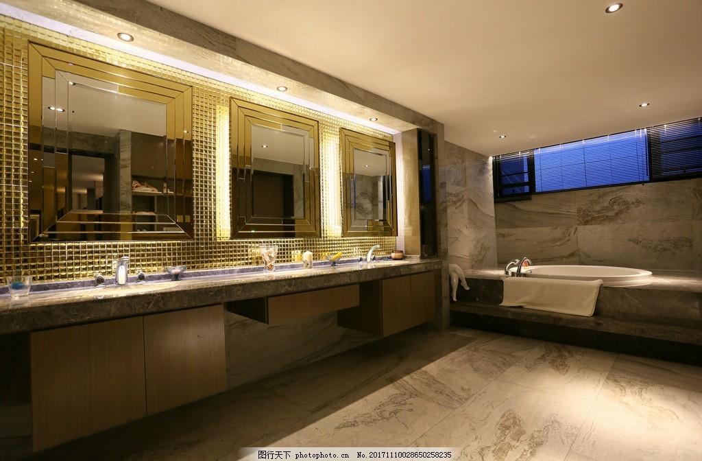 现代轻奢卫生间金色洗手台室内装修效果图