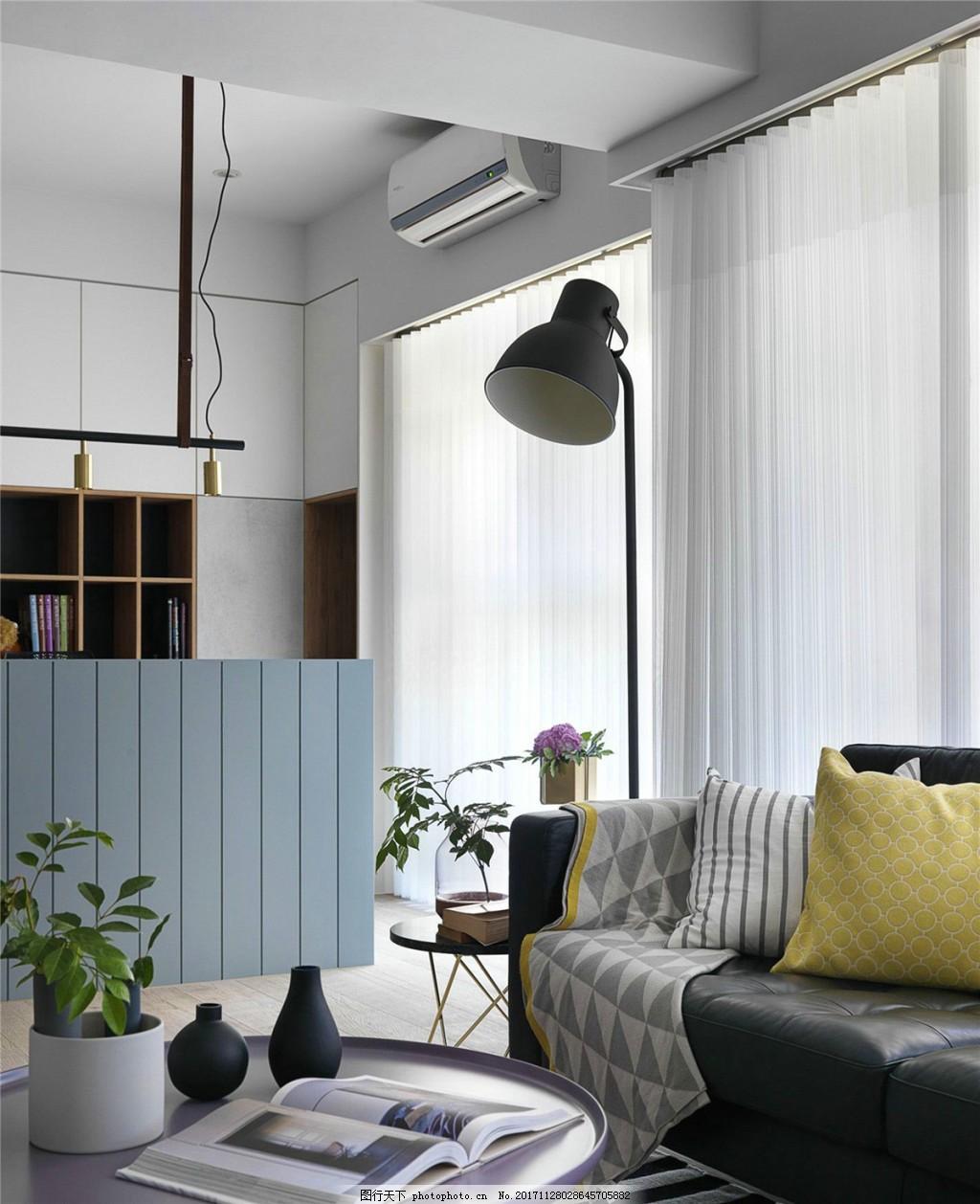 简约时尚客厅圆形茶几装修效果图 米色地板砖 灰色窗帘 落地窗 台灯