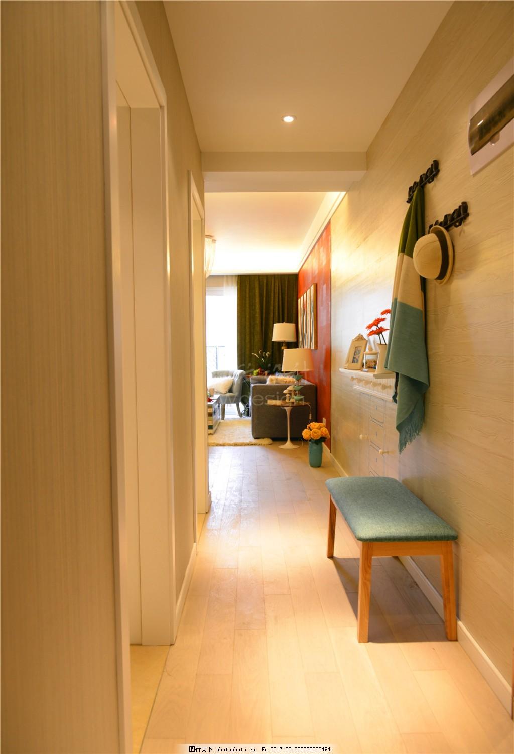 简约时尚客厅入户走廊装修效果图 过道 灰色墙壁方形吊顶 白色射灯